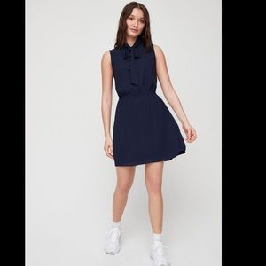 Aritzia NWT✨Veronica dress in navy blue XS